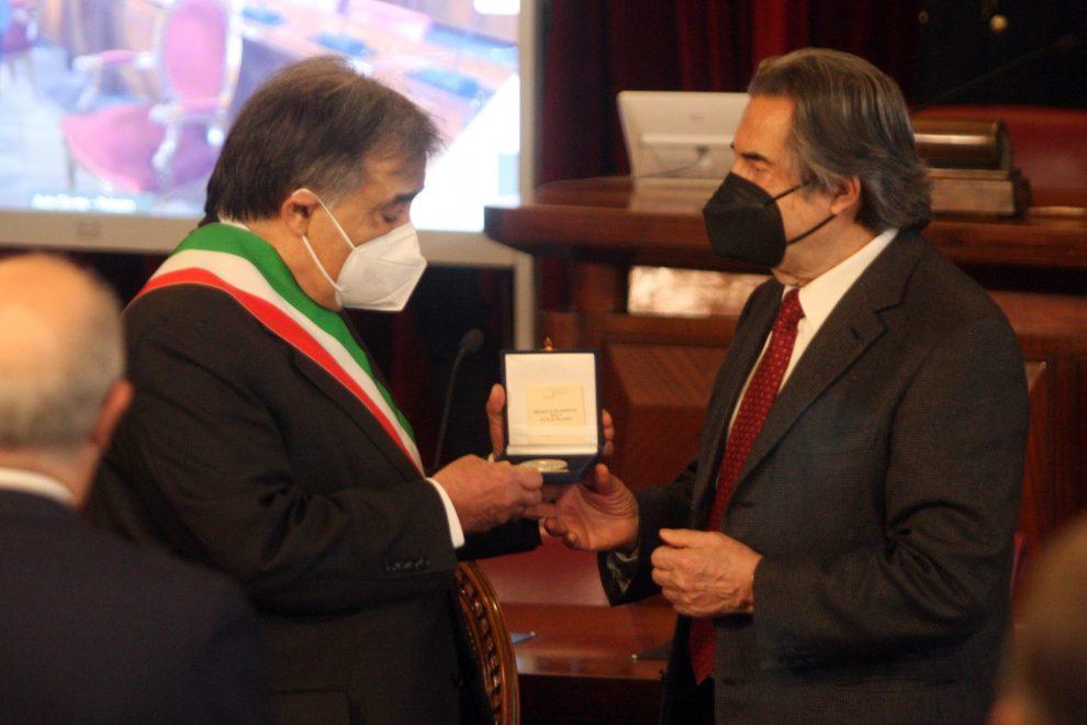 In foto riccardo Muti con il sindaco di Palermo