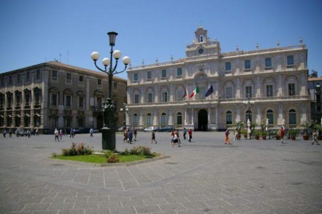 piazza-universita
