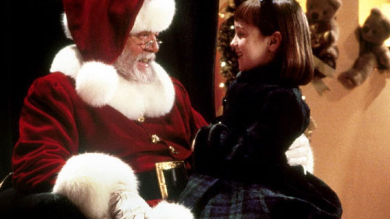 Babbo Natale Uomo Bello.Film Di Natale Dieci Grandi Classici Da Vedere Durante Le Feste Liveunict
