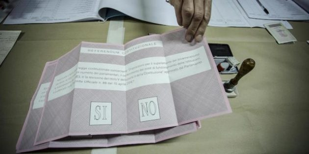 Referendum Costituzionale - apertura seggio in via Flavio Ando'. Roma 4 dicembre 2016, ANSA/GIUSEPPE LAMI
