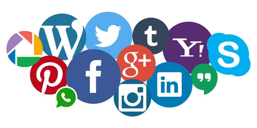 """""""Italiani e social media 2020"""": una persona su due li usa solo per guardare foto e video altrui"""