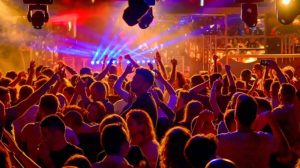 discoteca affollata