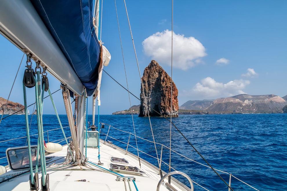 barca a vela isole eolie