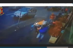 Cronaca Catania poliziotto fuori servizio sventa rapina
