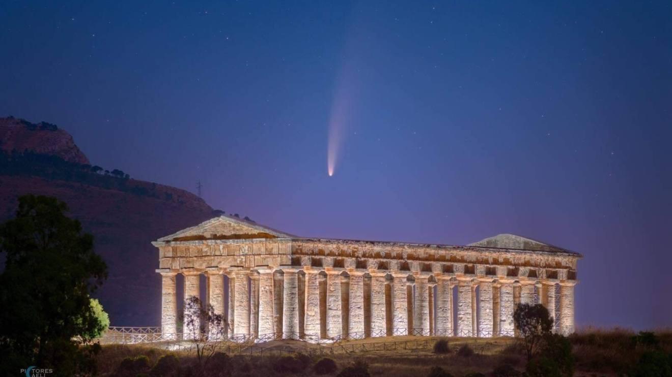 Segesta e cometa Neowise