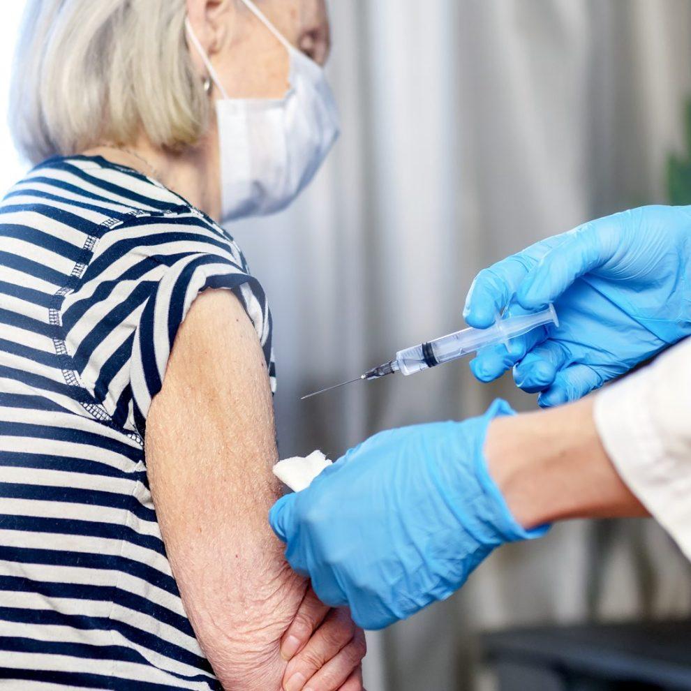 sicilia vaccino over 80