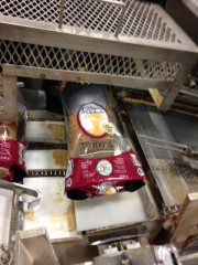 Ensachage du pain à la Boulangerie St-Méthode. «Si... (PHOTO FOURNIE PAR LA BOULANGERIE ST-MÉTHODE) - image 8.0