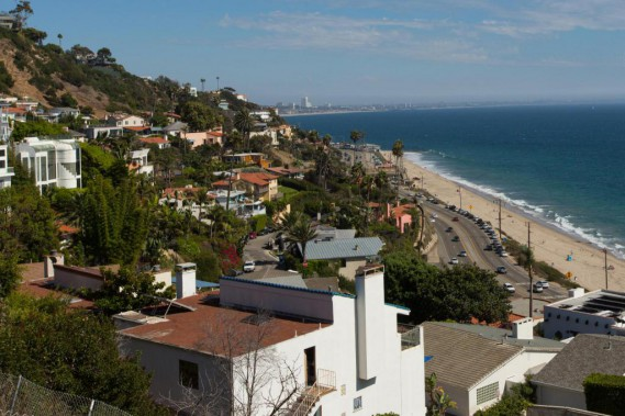 Along the way, hikers can enjoy several views of Malibu and downtown Los Angeles in the distance. (PHOTO OLIVIER JEAN, THE PRESS) &quot;title =&quot; &quot;/&gt; </div data-recalc-dims=