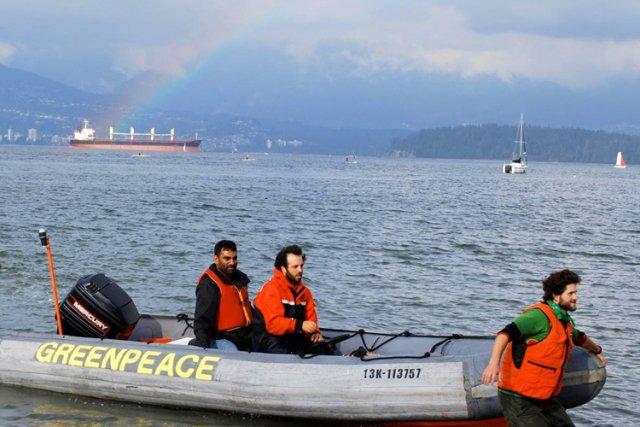 Selon Greenpeace, les représentants fédéraux auraient dû alerter... (Photo: AFP)