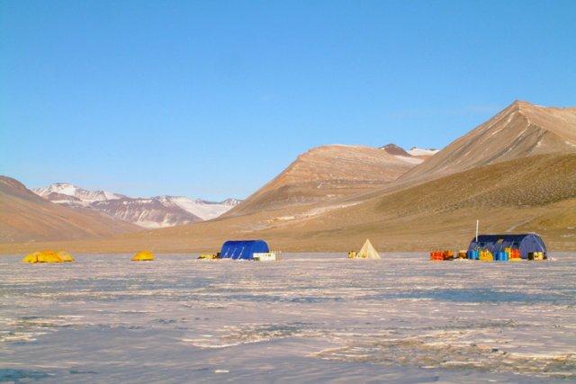 Le lac Vida, situé dans les Vallées sèches... (Photo: AFP)