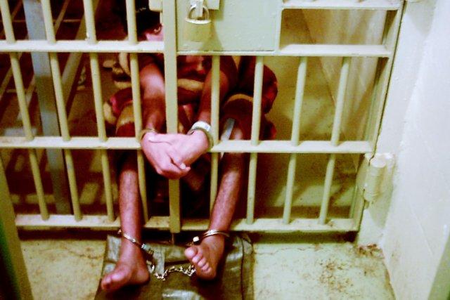 Un détenu de la prison irakienne d'Abou Ghraib... (PHOTO BLOOMBERG NEWS)
