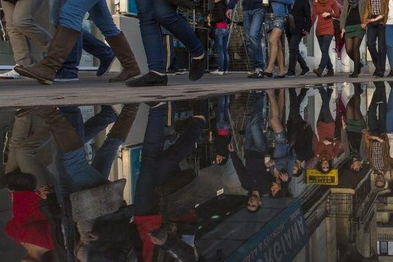 Plusieurs Roms qui arrivent à Montréal de Roumanie... (Photo Olivier Pontbriand, La Presse)