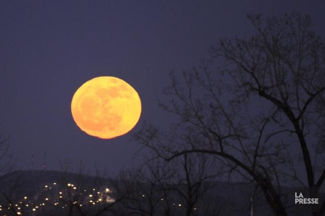 Lors de la pleine lune, l'activité cérébrale liée... (Photo Bernard Brault, La Presse)