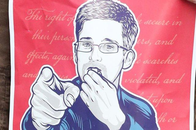 M. Snowden, inculpé d'espionnage par la justice fédérale... (Photo AFP)