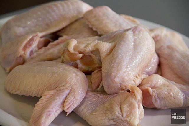 44% des Britanniques lavent systématiquement le poulet à... (Photo FRANCOIS ROY, Archives La Presse)