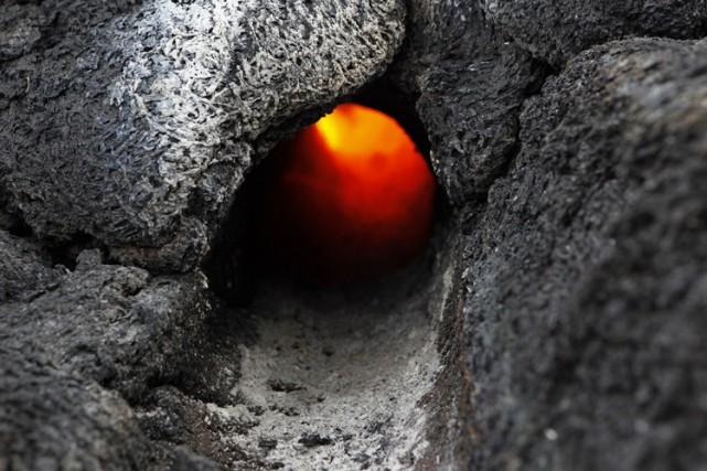 De petites éruptions volcaniques pourraient éjecter davantage de gaz dans la... (Photo: AFP)