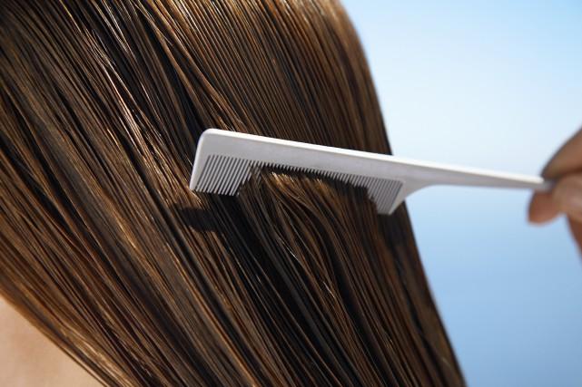Le test capillaire présente, entre autres, l'avantage d'être... (Photo Digital/Thinkstock)