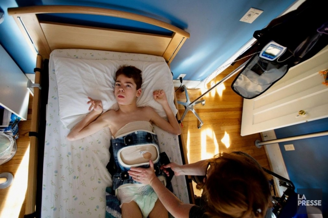 Philippe Brosseau, 14 ans, est atteint de paralysie... (Photo Patrick Sanfaçon, La Presse)