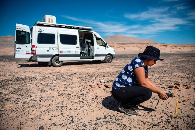 La biologiste Cristina Dorador, de l'Université du Chili,... (AFP)