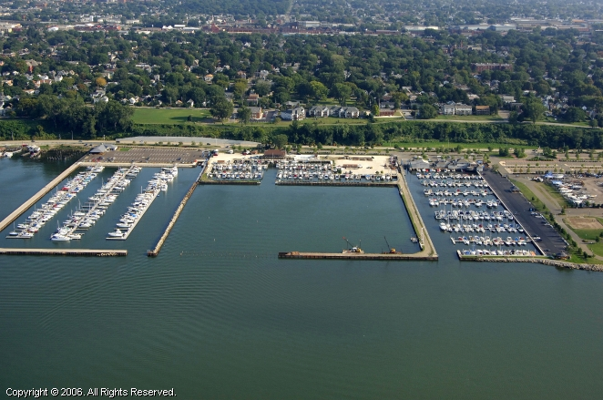 Commodore Perry Yacht Club In Erie Pennsylvania United