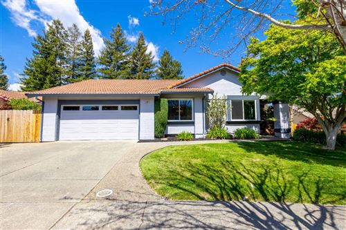 Photo of 381 Blue Jay Way, Napa, CA 94558 (MLS # 321026147)