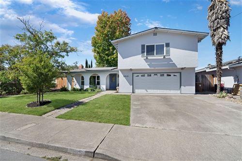 Photo of 3915 Briarwood Street, Napa, CA 94558 (MLS # 321090930)
