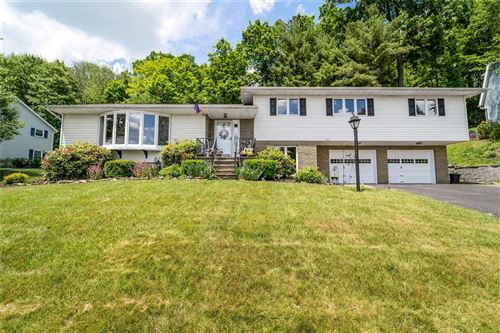 Photo of 1109  Greenwood Glen, ENDWELL, NY 13760 (MLS # 304164)