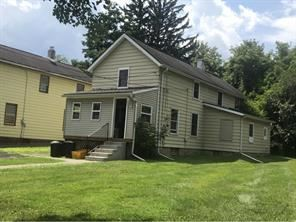 Photo of 17 EVERETT ST, BINGHAMTON, NY 13905 (MLS # 221540)