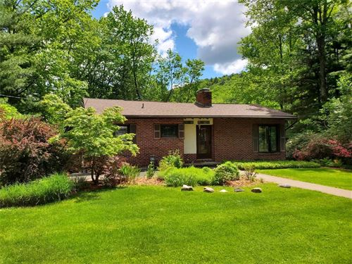 Photo of 125  Southwood Drive, VESTAL, NY 13850 (MLS # 303896)