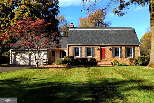Photo of 12601 DEOUDES RD, BOYDS, MD 20841 (MLS # MDMC2020092)