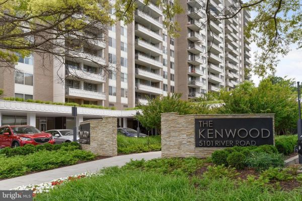 Photo of 5101 RIVER RD #902, BETHESDA, MD 20816 (MLS # MDMC727170)
