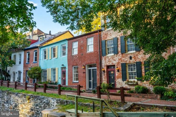 Photo of 3069 CANAL ST NW, WASHINGTON, DC 20007 (MLS # DCDC492186)