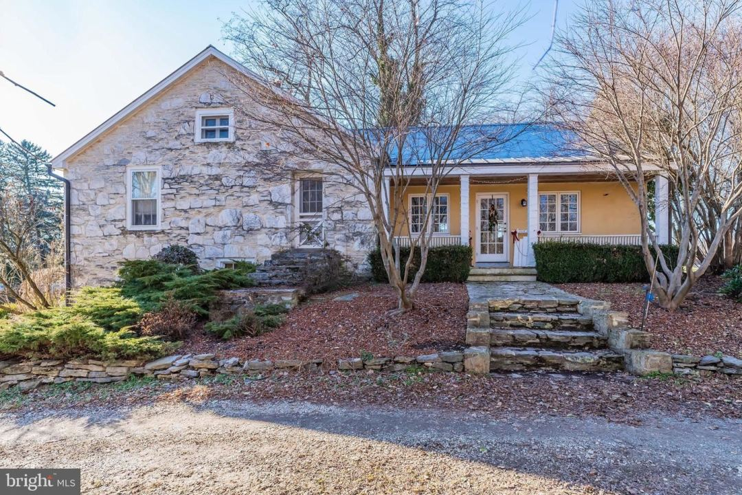 Photo of 1580 BOILING SPRINGS RD, BOILING SPRINGS, PA 17007 (MLS # PACB131188)