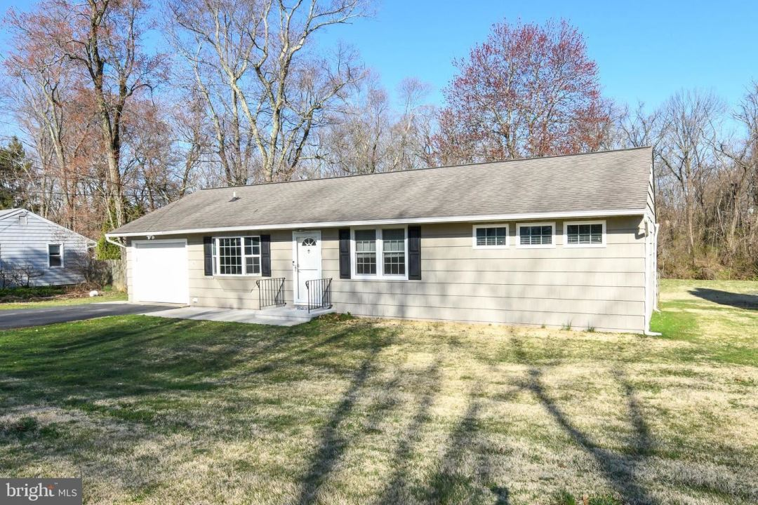Photo of 2148 N LINE ST, LANSDALE, PA 19446 (MLS # PAMC687214)