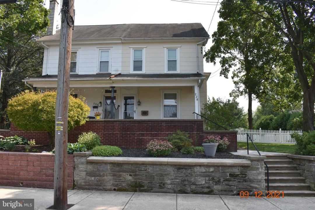 Photo of 228 W CHESTNUT ST, SOUDERTON, PA 18964 (MLS # PAMC2011286)