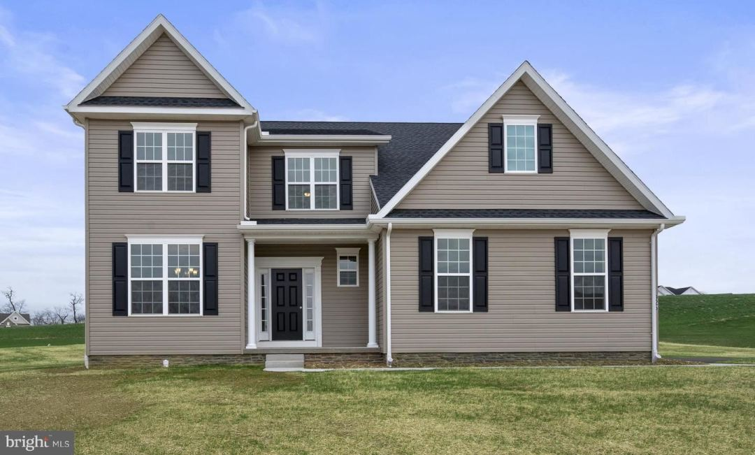 Photo of 82 HOMESTEAD DR #15, HANOVER, PA 17331 (MLS # PAYK145332)
