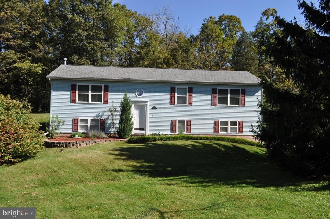 Photo for 3064 GREEN VALLEY DR, PERKIOMENVILLE, PA 18074 (MLS # PAMC2011472)