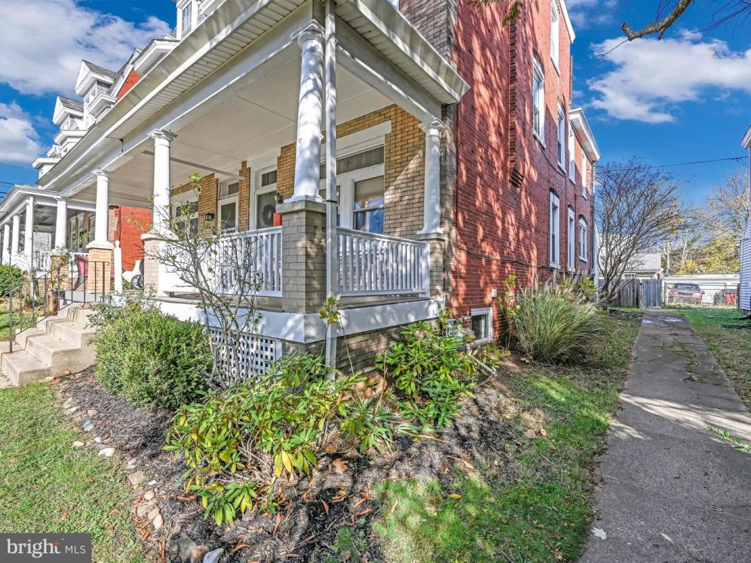 Photo of 1025 W MARSHALL ST, NORRISTOWN, PA 19401 (MLS # PAMC676600)
