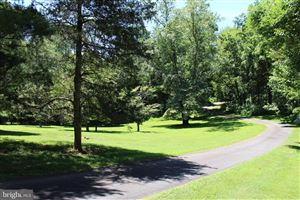 Photo of 747 LEIGH MILL RD, GREAT FALLS, VA 22066 (MLS # VAFX1081670)