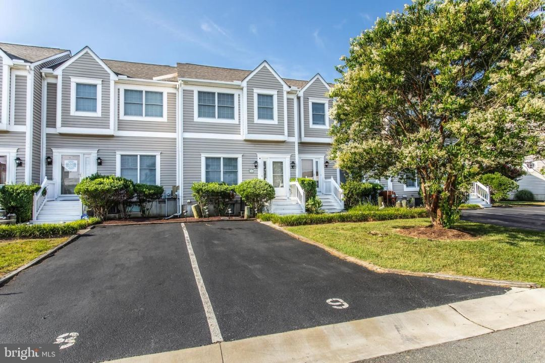 Photo for 13031 HAYES AVE #902, OCEAN CITY, MD 21842 (MLS # MDWO115676)