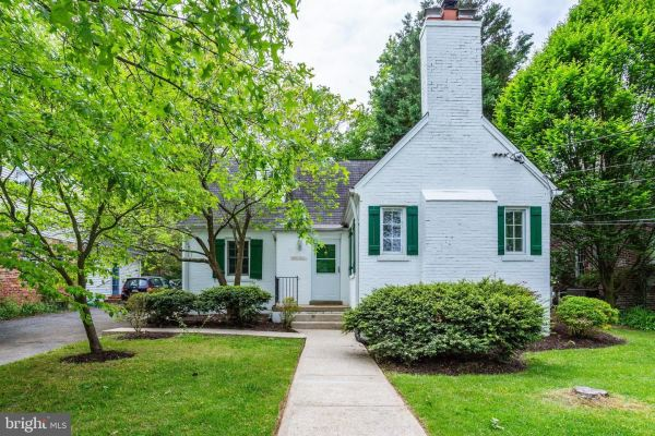 Photo of 4826 LANGDRUM LN, CHEVY CHASE, MD 20815 (MLS # MDMC697722)