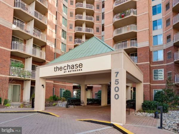 Photo of 7500 WOODMONT AVE #S1205, BETHESDA, MD 20814 (MLS # MDMC741802)