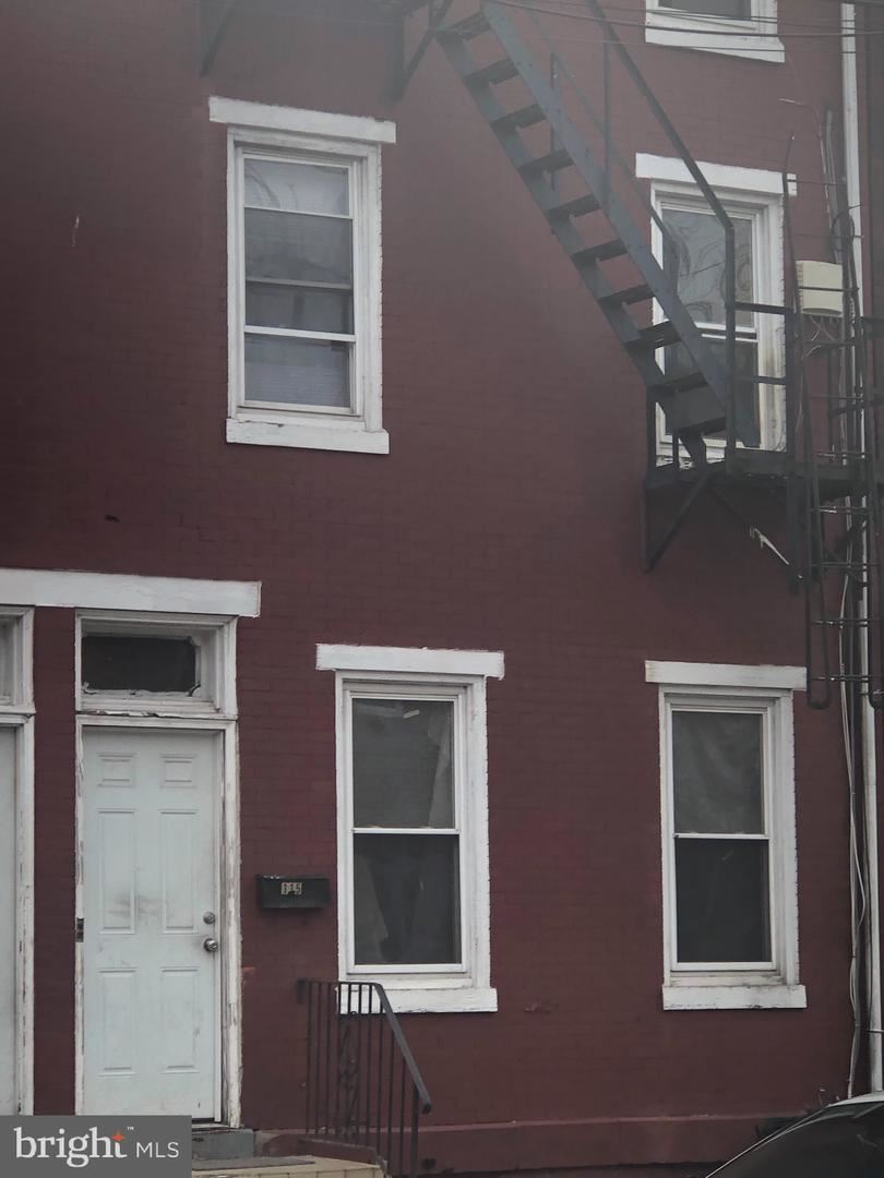 Photo of 115 SPRING ST, TRENTON, NJ 08618 (MLS # NJME306864)