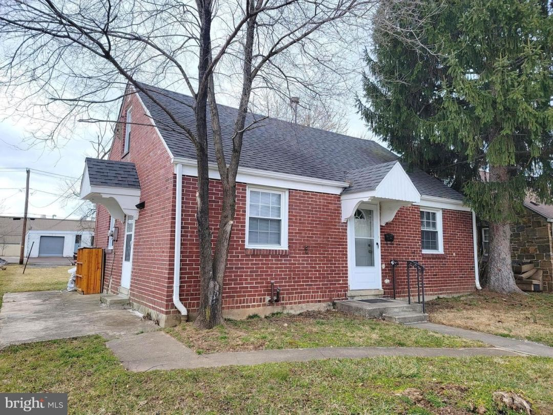 Photo of 811 W 4TH ST, LANSDALE, PA 19446 (MLS # PAMC678948)