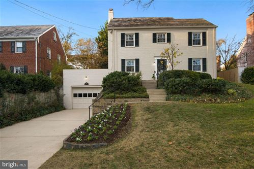 Photo of 7612 LYNN DR, CHEVY CHASE, MD 20815 (MLS # MDMC732950)