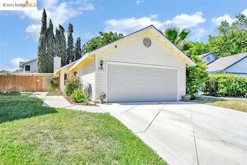 Photo of 208 Grovewood Loop, Brentwood, CA 94513 (MLS # 40950001)