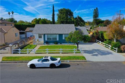 Photo of 6953 Encino Avenue, Lake Balboa, CA 91406 (MLS # SR20245048)
