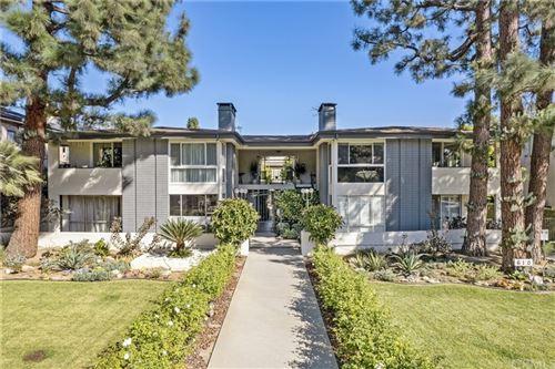 Photo of 610 S Orange Grove Blvd, Unit 4, Pasadena, CA 91105 (MLS # PF21229053)