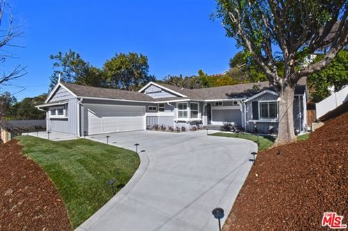 Photo of 3486 Woodcliff Road, Sherman Oaks, CA 91403 (MLS # 21699090)