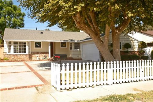 Photo of 17107 Vose Street, Lake Balboa, CA 91406 (MLS # SR21097098)
